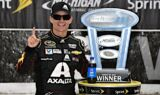 Gordon wins at Michigan International Speedway