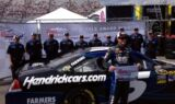 Kahne wins Martinsville pole